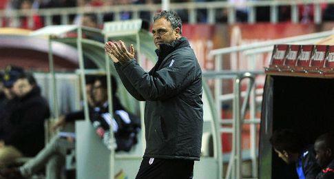 Caparr�s analiza el Sevilla-Athletic.