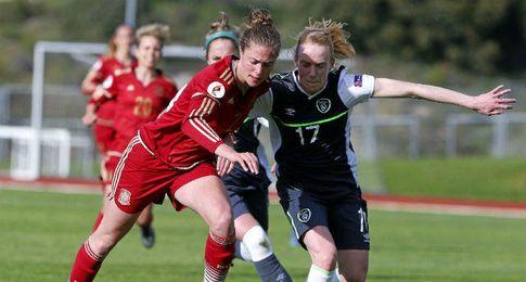 Imagen del duelo entre España e Irlanda.