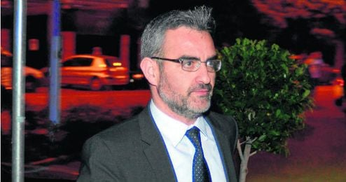 El director deportivo valenciano se marchar� con un amplio respaldo social