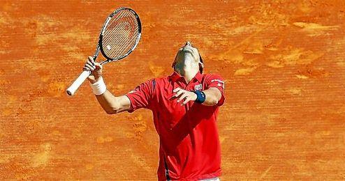 Novak Djokovic se lamente durante su partido ante Vesely.