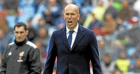 Zidane, en la banda del Coliseum.