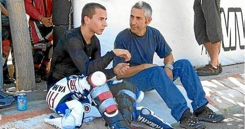 Jorge Lorenzo junto a su padre Chicho