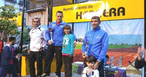 La carrera recaud� 400 kilos de comida para posteriormente donarlos a C�ritas de Herrera.
