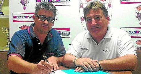 En la imagen, Francisco S�nchez (derecha), actual presidente de la gestora del Mairena.