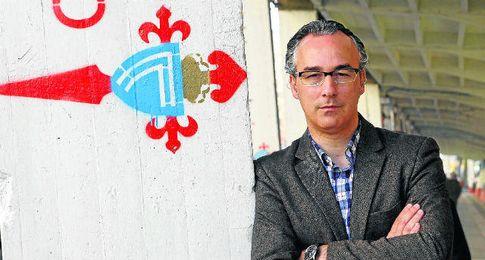 Miguel Torrecilla posa en las instalaciones del Celta.
