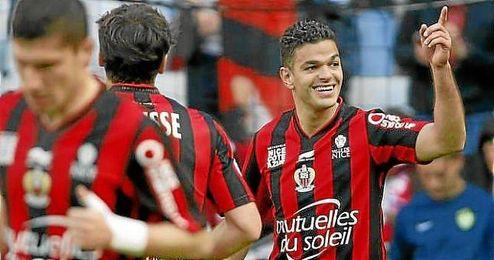 Ben Arfa celebra un gol con el Niza.