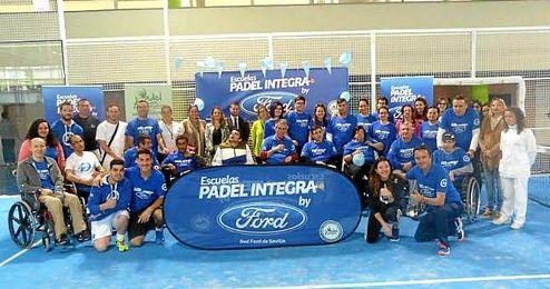 Éxito del I Encuentro de Entidades de la Escuela Pádel Integra by FORD