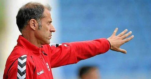 Alberto López en su etapa como técnico del Alavés.