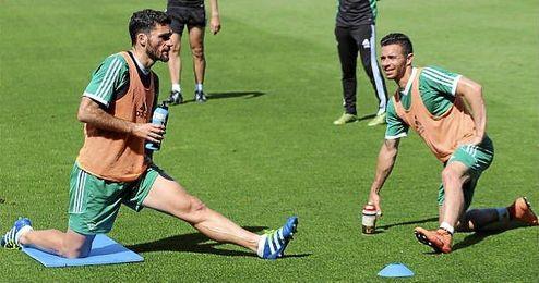 En la imagen, Jorge Molina y Rubén Castro durante el entrenamiento de este martes.