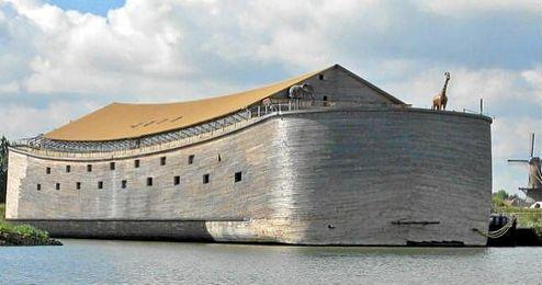 La réplica del arca de Noé de un holandés.