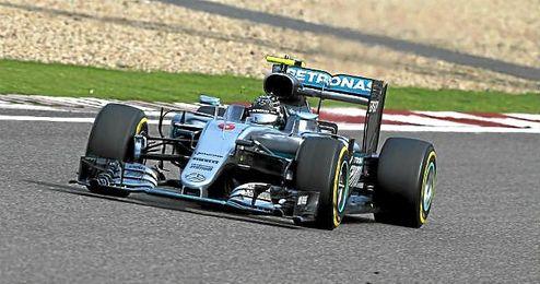 Rosberg vuelve a dominar.