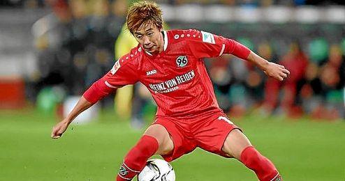 Kiyotake, en un partido con el Hannover.