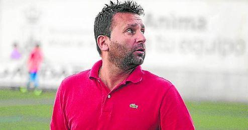 En la imagen, Chiqui Torres, entrenador del Alcal�.