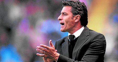 En la imagen, el entrenador Míchel.