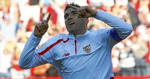 José Antonio Reyes sueña con levantar un título como capitán sevillista, lo que tiene al alcance tanto en St. Jakob como en el Vicente Calderón.