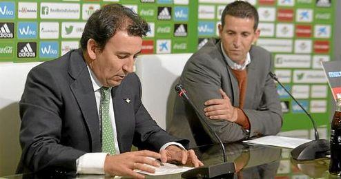 Imagen de Juan Merino y López Catalán, en sala de prensa.