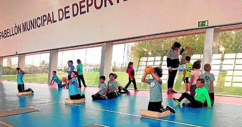 Los asistentes de San José de La Rinconada y Guillena se lo pasaron en grande en El Pedroso.