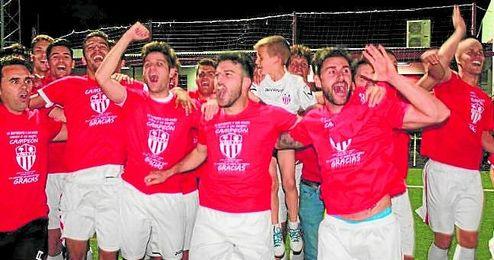 El Lora acabó celebrando su ascenso a División de Honor tras un final de Liga sobresaliente.