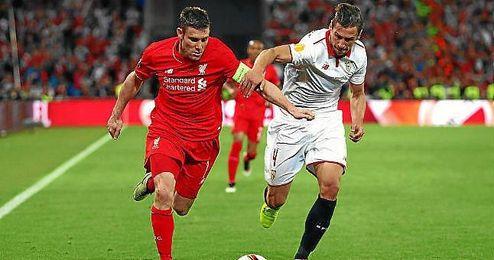 Milner, durante el partido.
