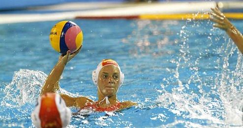 Jennifer Pareja, internacional desde 2013, es la jugadora más laureada de la historia del waterpolo español.