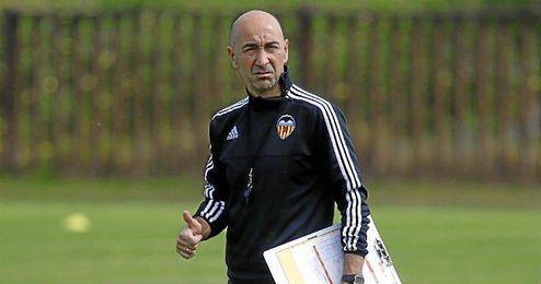 Francisco Martín Ayestarán en un entrenamiento del Valencia.