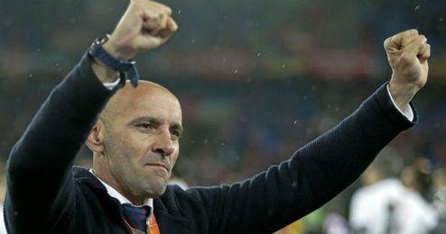 El de San Fernando, celebrando la consecución de la Europa League.