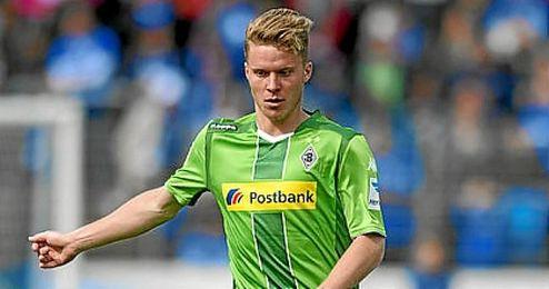 El central del Borussia, principal novedad en la lista de Suiza.