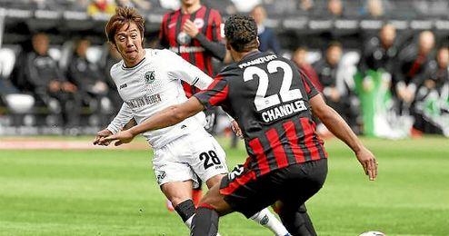 Kiyotake, en un partido con el Hannover 96.