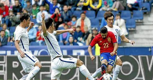 Nolito anota uno de los dos goles conseguidos ante Corea.