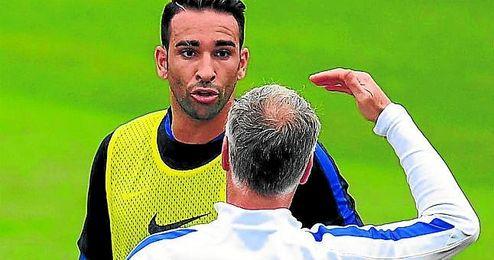 Adil Rami ha tenido roces con Deschamps, que pese a todo confía en él.