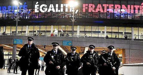 El Gobierno español enviará a la Eurocopa especialistas en explosivos (TEDAX)