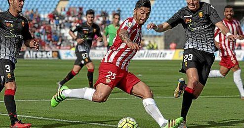 El agente del jugador confirma que la prioridad del ex de Huachipato es continuar en la Liga.