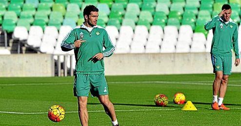 Jorge Molina negocia su incorporación al Levante.
