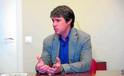 El delegado de Deportes del Ayuntamiento, Guevara, en la redacción de ED.