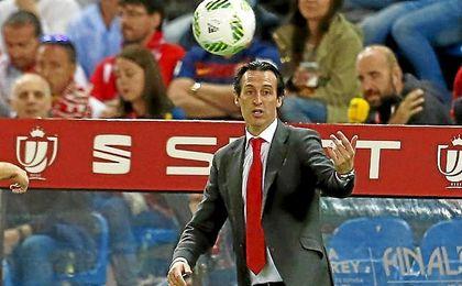 Unai Emery, en la banda del Sánchez-Pizjuán.