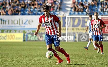 Israel Puerto durante un partido con el CD Lugo.