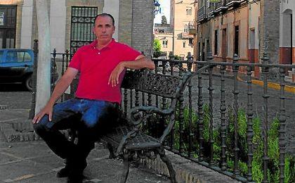José Antonio Granja, en la castillejana Plaza de Santiago, se muestra satisfecho del transcurso de la temporada pasada en Tercera.
