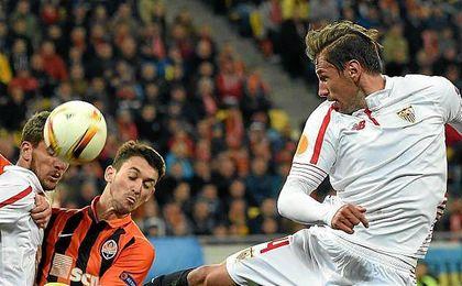 Krychowiak, durante el partido de esta temporada ante el Shakhtar Donetsk.