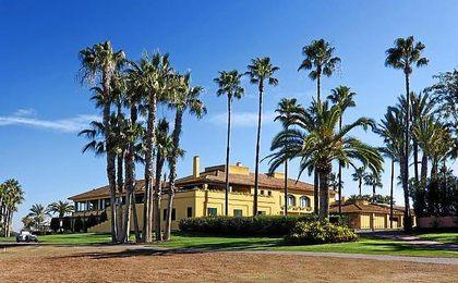 Sede del Real Club de Golf de Sevilla.