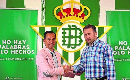 El jerezano José Vidal renovó con el Real Betis Futsal, al que volverá a dirigir en Segunda división.