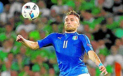 Immobile, durante un partido con Italia.