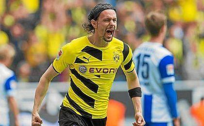 Subotic celebra un gol con el Dortmund.