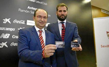 José Castro, junto a Ramón Loarte, en la campaña de abonados de la pasada temporada.