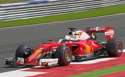 Los espa�oles Fernando Alonso y Carlos Sainz finalizaron con el d�cimo y el decimoctavo mejor crono.