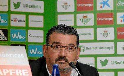 Varela, emocionado, habló de múltiples temas referentes al Betis Futsal.