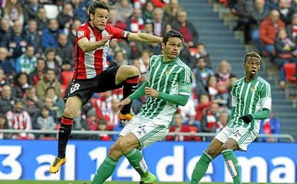Jorge Molina y Gurpegui en un lance de un encuentro de Liga