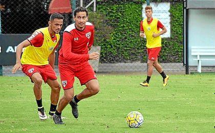 Ganso, en un entrenamiento con el Sao Paulo.