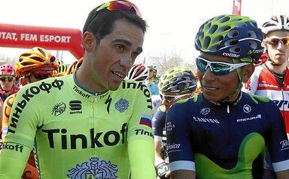 Alberto Contador y Nairo Quintana charlan tras terminar la etapa.