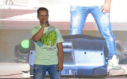 Haze durante su intervención en la presentación de las nuevas equipaciones del Betis.