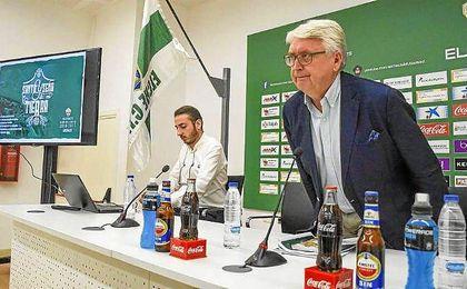 El club ilicitano ha elogiado el trabajo que está realizando al frente de la parcela técnica José Luis ´Chuti´ Molina.